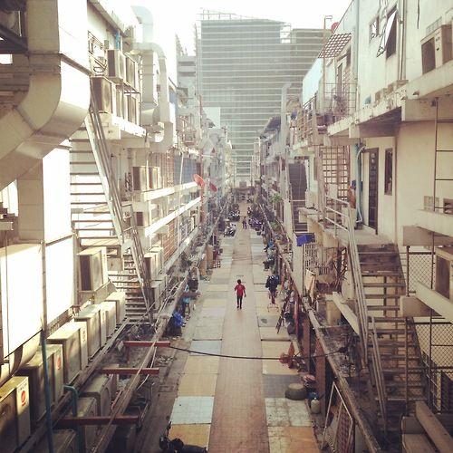 Across from Siam Paragon #STMBKK #Bangkok #Thailand #F5Media #AffiliateMarketing #OnlineMarketing #MobileMarketing #SiamParagon