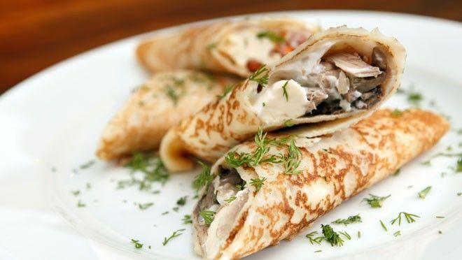 Volkoren pannenkoeken met pittige kip - recept | 24Kitchen