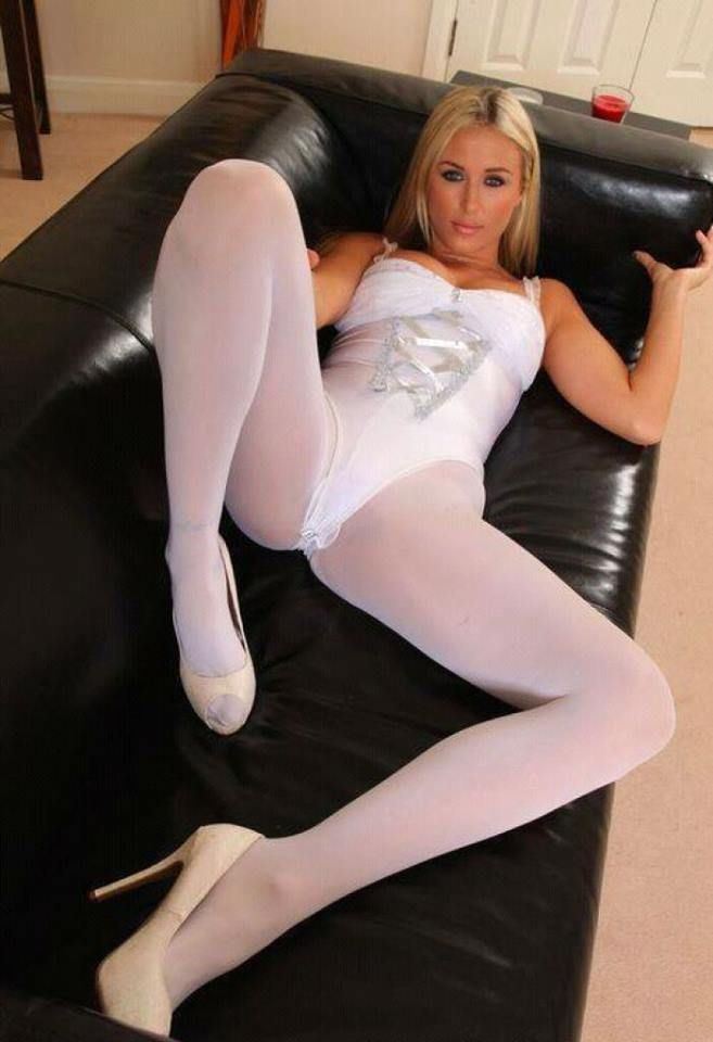 Wearing pantyhose make me feel so feminine and horny 3