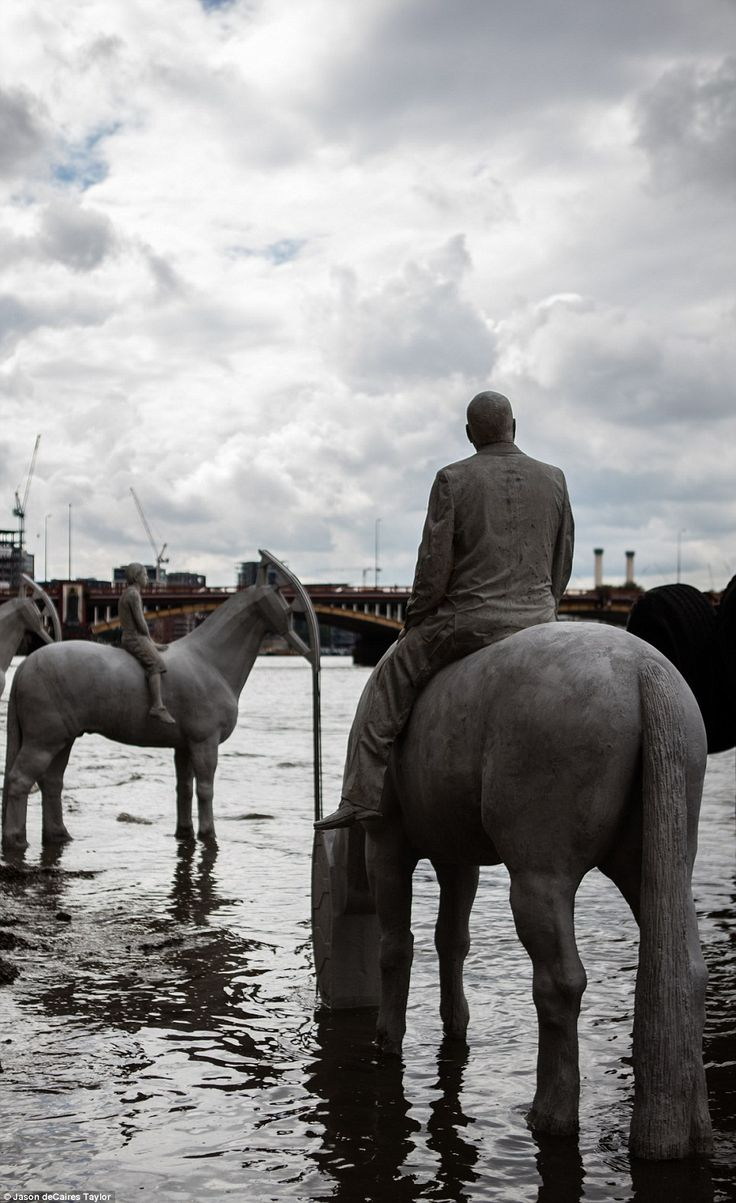 New horse sculptures to be revealed and concealed by the Thames tide