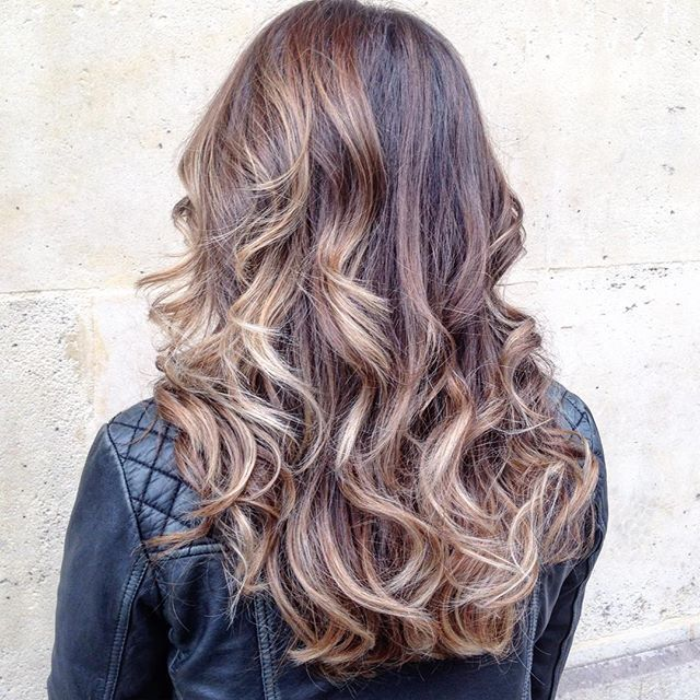 de blonde marron clair coiffeur haircolorist ombre tiedye coloriste - Bon Coloriste Paris