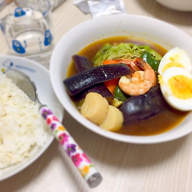 ガツンとスープカレー食べたくて(*^^*) 辛味スパイスほとんど入れたら、ちょーど好みの辛さに(笑)  野菜たっぷりで満足〜p(^_^)q - 11件のもぐもぐ - 海老ほたてと野菜スープカレー by riesuzuki1sjN                                                                                                                                                                                 もっと見る