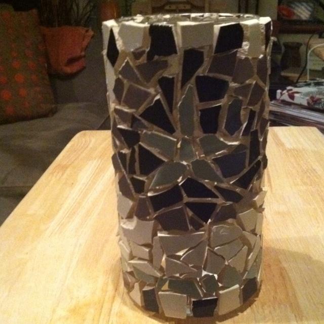 Homemade Mosaic Vase Made With Broken Tiles Amp Hot Glue Craft Ideas Pinterest Mosaic Art