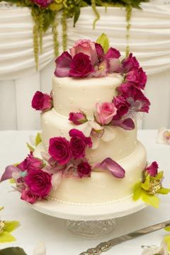 wedding cakes real flowers pictures 44 best images about wedding cakes on 25336