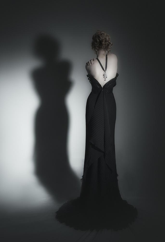 muah and costume design: Sinikka Nikander, jewellery design: Carina Blomqvist, photography: Nina Maaninka, model: Heli Jokinen