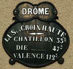 Photo de la place du village de Lus-La-Croix-Haute (26620 - Drôme) - www.TooEasy.fr