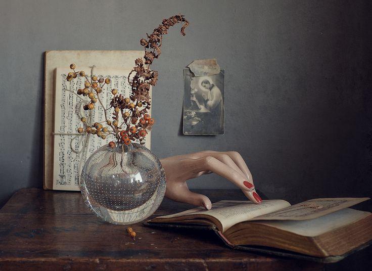 Still life stilleven : Hand fotografie : H.Stilting