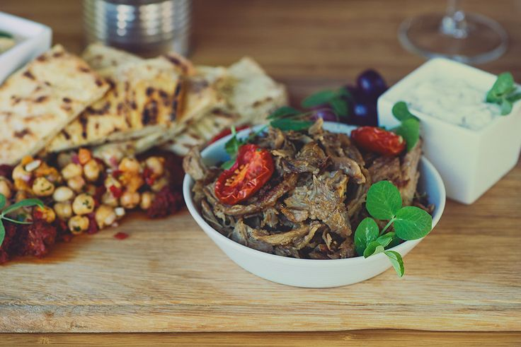 Beef tataki plated at Graciales | Social Sharing.