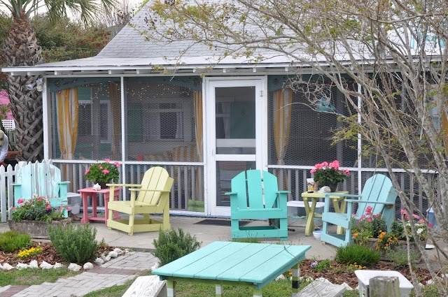 Beach Cottage - the colors of the chairs are identical to the colors I'm using in the quilt I'm making for our bed