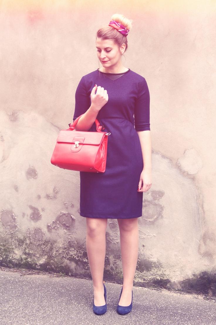 Look de Zoe Macaron avec le sac Diane rouge de la collection Brandebourg de Cyrillus.