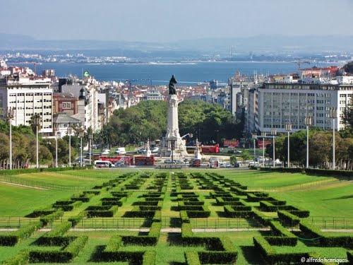 LISBOA - do Parque Eduardo VII ao Rio Tejo (3km) *************************** LISBON - from the Edward VII Park to Tagus River (3km) #Portugal #Park
