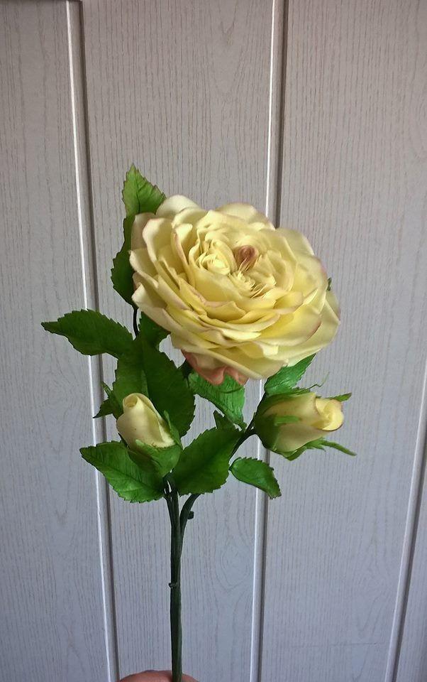 Sárga angol rózsa cukorból