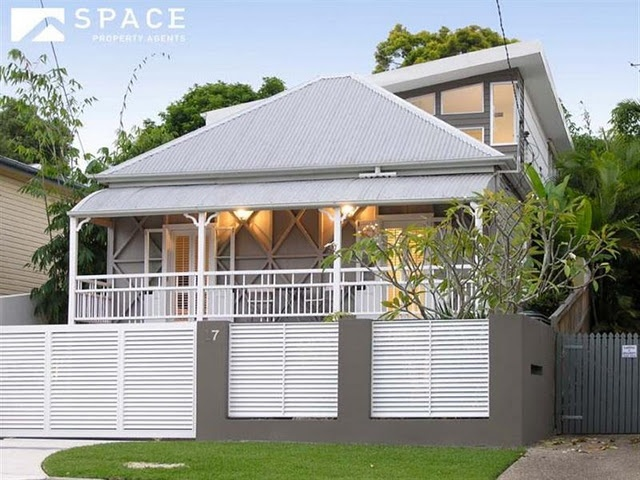 Lovely blend of old queenslander and modern extension for House facade renovation ideas