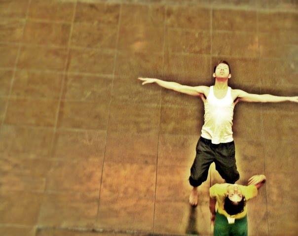 ➪ Clases de Danza Contemporánea •• Lisandro Gómez Fraser 📌 TALLER ANUAL de DANZA CONTEMPORÁNEA ✦ Dictado por Lisandro Gomez Fraser ✦   MARTES y JUEVES | De 20 a 22h Teatro Independencia | Chile y Esp... http://sientemendoza.com/event/%e2%9e%aa-clases-de-danza-contemporanea-%e2%80%a2%e2%80%a2-lisandro-gomez-fraser/
