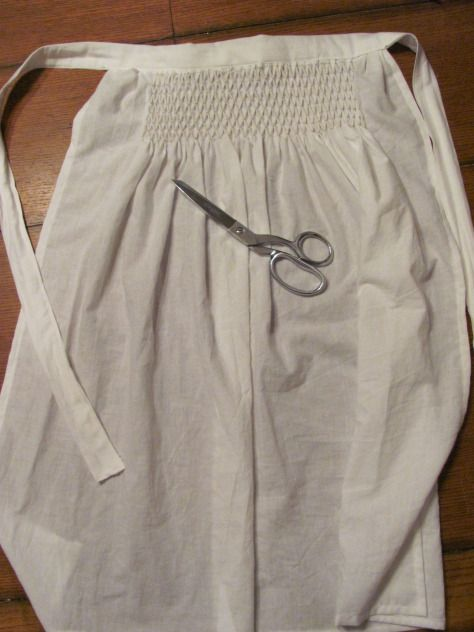 Pleated Embroidered Smocked Apron, good step by step pictures