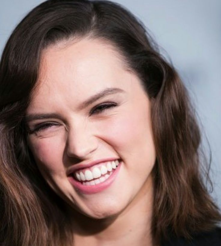 17 Best Images About DAISY RIDLEY On Pinterest