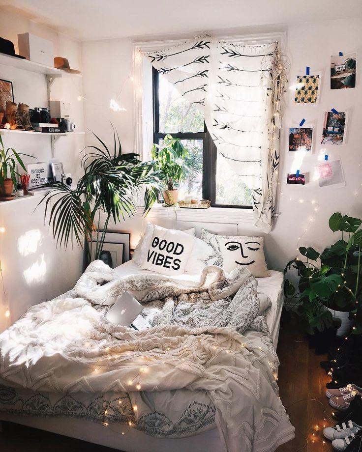 "9,838 Likes, 68 Comments - Viktoria Dahlberg (@viktoria.dahlberg) on Instagram: ""So happy to be home #love #nyc #uohome #interior"""