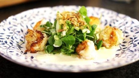 Eén - Dagelijkse kost - salade met scampi, appel en curry
