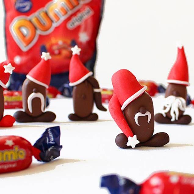 Dumle-tomtar - detta kan vara det perfekta julgodiset - supergott och gulligt. Allt du behöver är färdiga kolor från Dumle och lite sockermassa i olika färger. Sedan är det bara att börja skapa. Följ instruktionerna här nedan, eller låt fantasin flöda fritt. Källa: Fazer.se