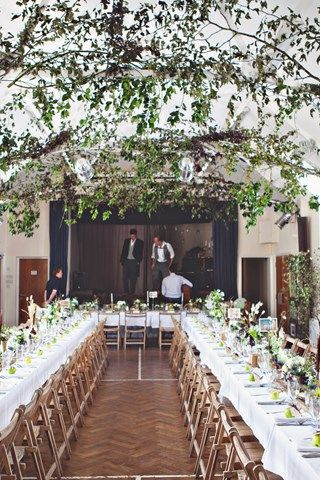 Real autumn weddings: Love in fall - a hunting lodge theme