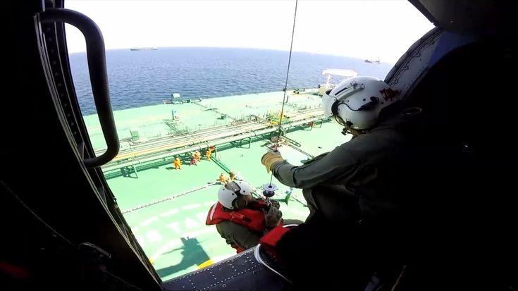 Επιχείρηση ζωής από το Ελικόπτερο S70B Aegean Hawk του ΠΝ σε Δεξαμενόπλοιο!(φώτο)