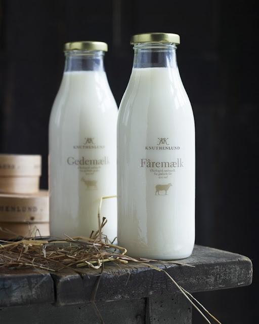 simple packaging: Milk Packaging, Milk Jug, Packaging Design, Goats Milk, Milk Bottle, Glasses Bottle, Old Bottle, Design Packaging, Bottle Design