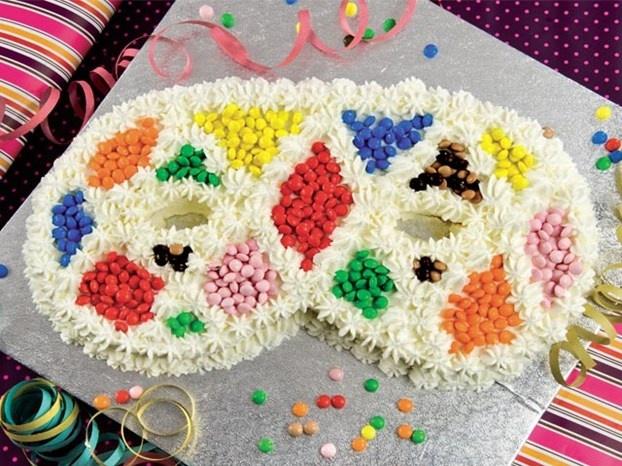 Torta mascherata per Carnevale http://www.arturotv.tv/carnevale/torta-mascherata-per-carnevale