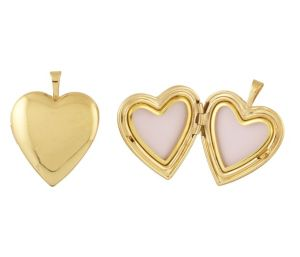 Couple Gold Photo Lockets  Estimated Price – Rs.13000 & Above  How about having both of your pictures placed securely inside a gold photo locket? Wouldn't it be nice for her to wear something like this around her neck? We say YES. Photo lockets have been in use since ages and they also carry huge heritage value. Such personalized jewels are the stuff that people cherish many years after you have gifted them.