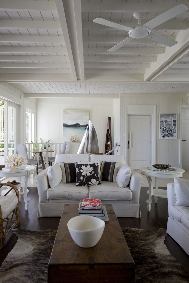 ALL WHITE NOW: BAYSIDE HOME LETS THE SUN SHINE IN | the generalist