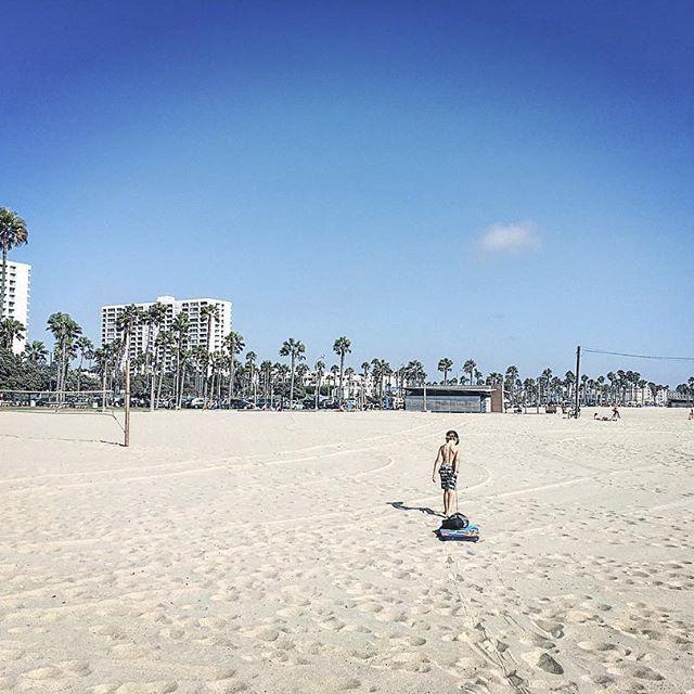 Lonely bodyboarder 🏖#californiadreamin