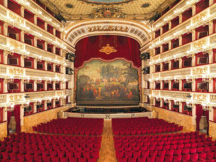 San Valentino 2015 al Teatro San Carlo. Spettacoli e visite guidate