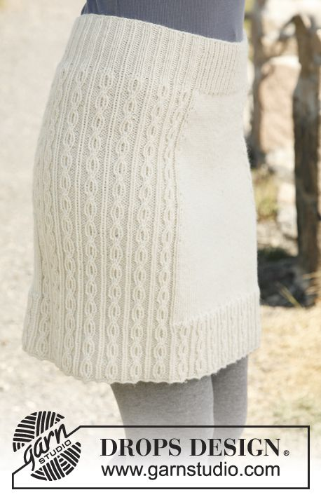 "Knitted DROPS skirt with cable pattern in ""Karisma"". Size: S - XXXL. ~ DROPS Design"