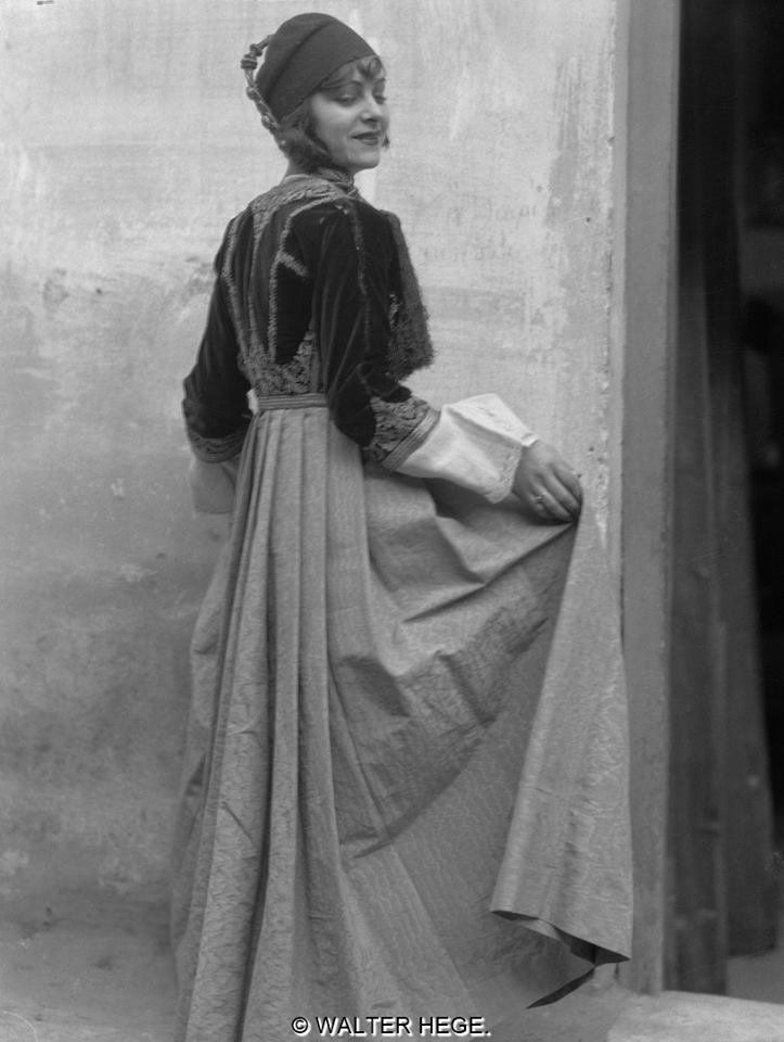 Greek Women Wearing Traditional Costumes photographed btwn 1928-1935 by Walter Hege | Arch. Bildarchiv Foto Marburg   https://twitter.com/Macedonia_Gr