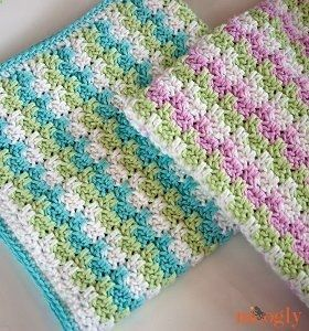Daydream Summer Blanket - This crochet blanket can be made for just about anyone; crochet instructions are provided for as little as preemie sizes to a queen sized bed. Learn how to crochet a blanket with this beginner blanket.