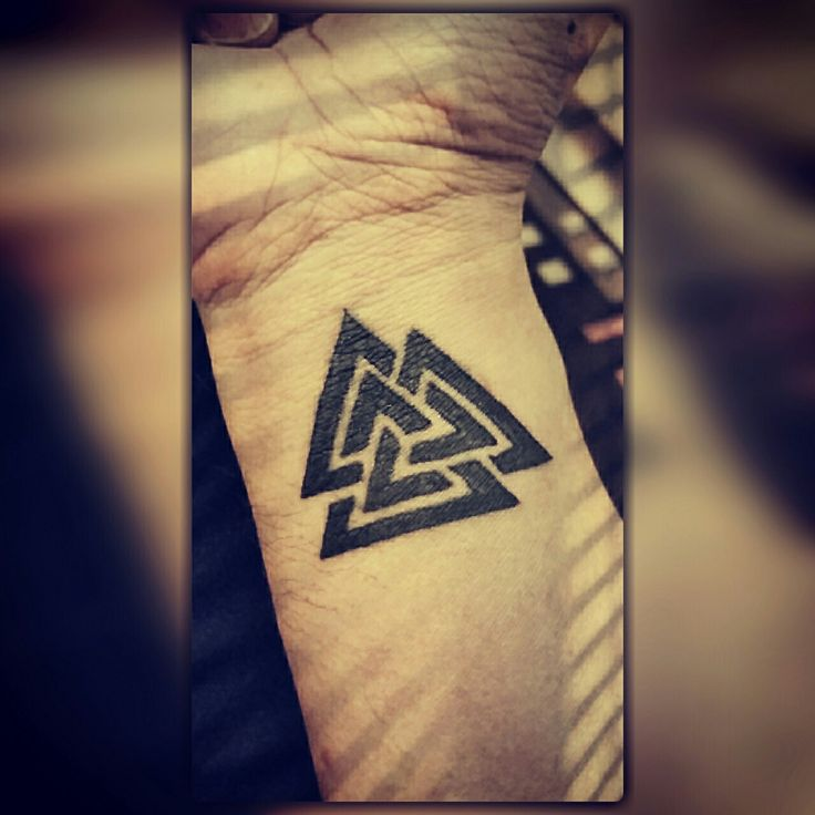 Over 1000 id er om viking symbols p pinterest symboler for Triple triangle tattoo