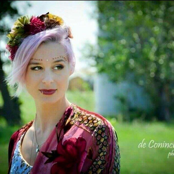 Stunnnig Canadian bride Britta wearing The House of Hats custom made silk flower headpiece