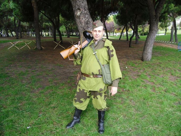 ww2 soviet scout. Reenacting in Do Broni Poland First to fight event, madrid 2013. Photo by Roy Gardner.