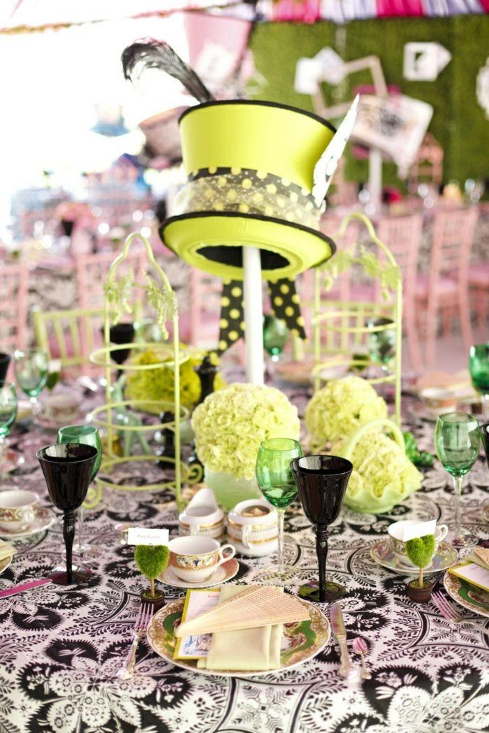 Au vert néon déco mariage Alice au pays de merveilles de Disney