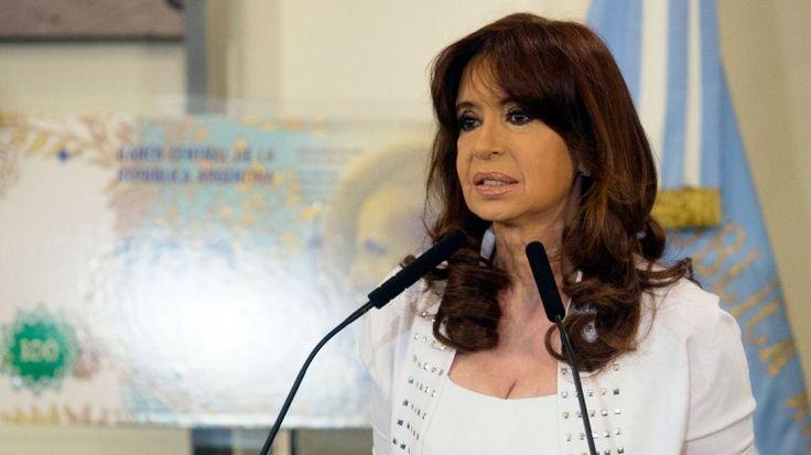 Cristina Kirchner fue citada a indagatoria por negociados en la venta del dólar futuro http://www.infobae.com/2016/02/26/1793071-cristina-kirchner-fue-citada-indagatoria-negociados-la-venta-del-dolar-futuro