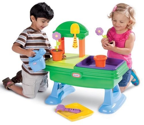 Outdoor Toys Age 4 : This website has such great info on outdoor toys that are