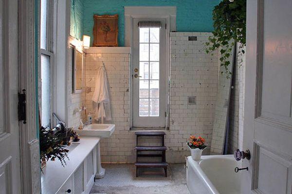 Classic bathroom bathrooms pinterest for Beautiful tiny bathrooms