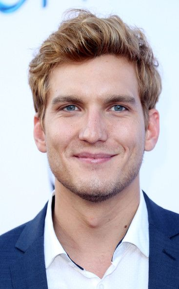 Scott Michael Foster Photos - 'Once Upon a Time' Season 4 Screening - Zimbio
