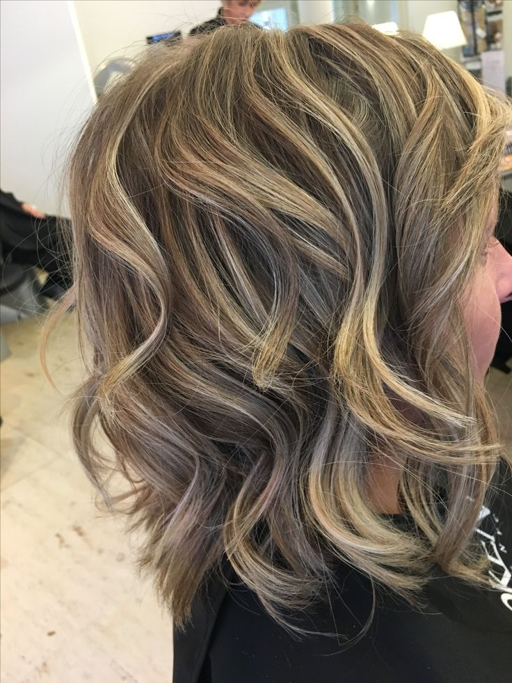 halflang haar, waves, blonde highlights and lowlights