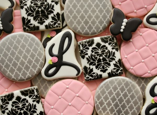 Perfectly Stenciled Cookies Tutorial{click link for FULL tutorial}