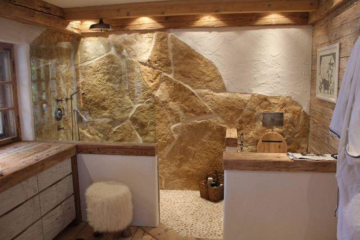 Dusche Naturstein Fliesen : Rustikales Badezimmer mit Naturstein und Altholz Innen Pinterest