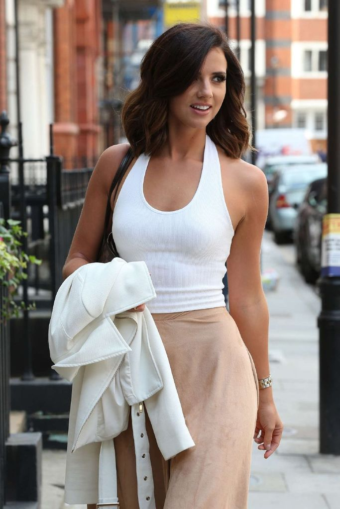 Lucy Mecklenburgh out in London : Global Celebrtities (F) FunFunky.com