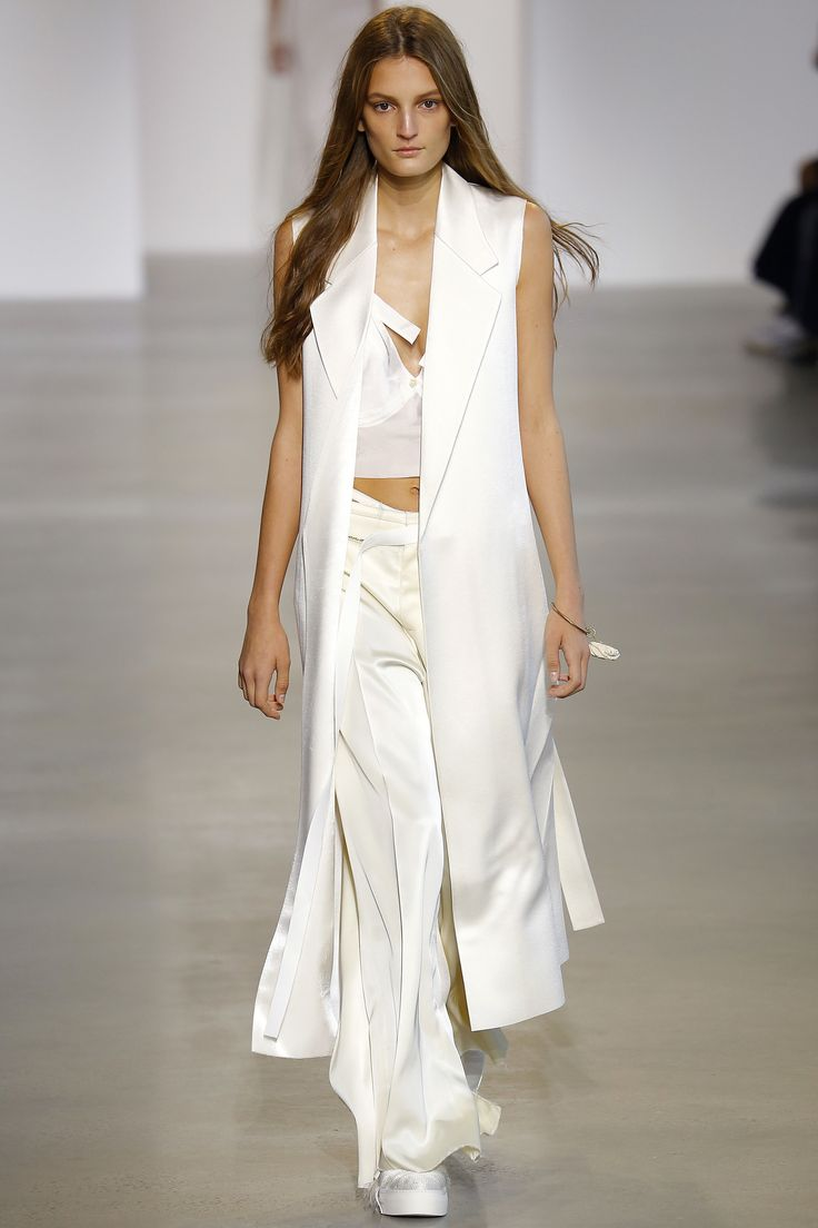 Calvin Klein Collection Spring 2016 Ready-to-Wear Fashion Show - Julia Fleming