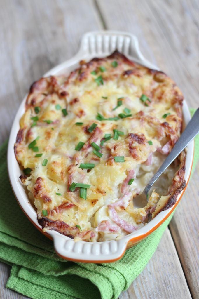 Bloemkoolovenschotel met ham: vervang de bloem door boekweitmeel en de boter door olijfolie voor de gezonde variant! http://itz-my.com