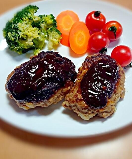 ふわふわジューシーな 豆腐ハンバーグ ☆ ソースも手作りです \(^o^)/ - 5件のもぐもぐ - 豆腐ハンバーグ by otnbxxx
