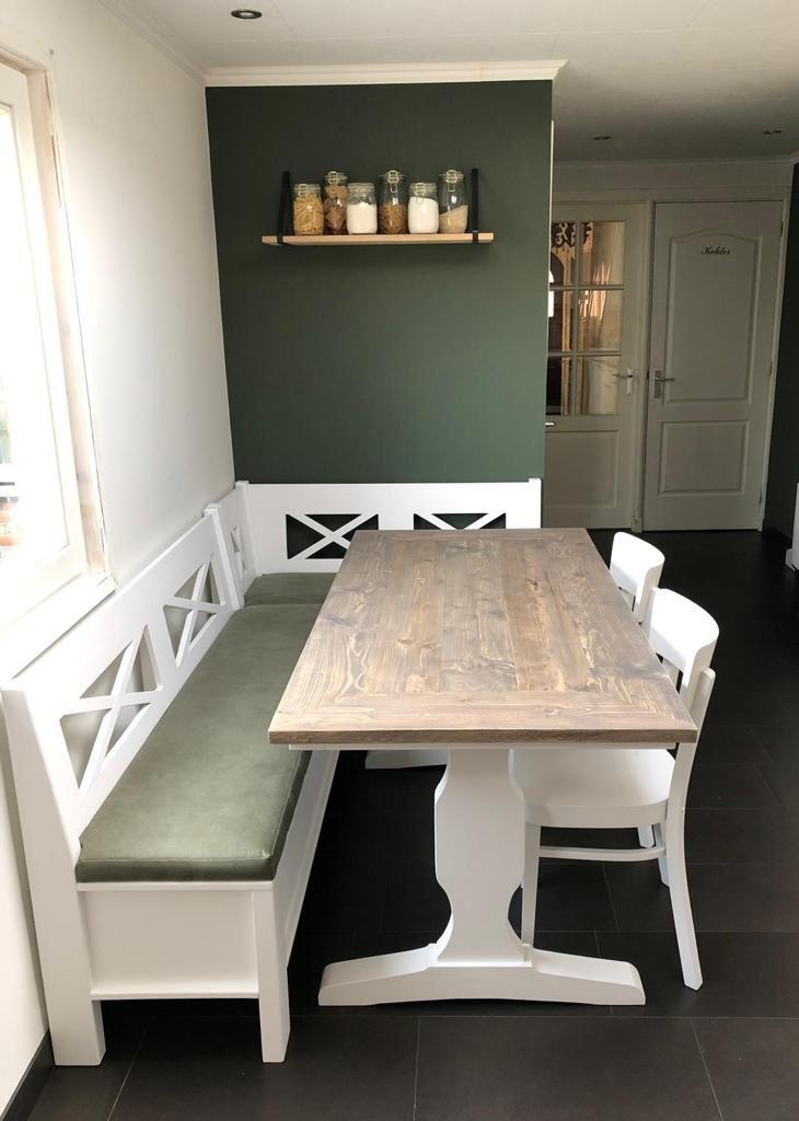 Landelijke Eettafel Bank.Hoekbank Tafel En Cafestoelen Landelijk Scandinavische Stijl